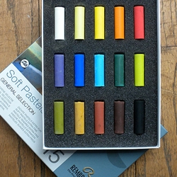 Rembrandt Pastel Set - 15 Assorted Half Sticks