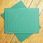 Solid Green Self-Healing Cutting Mat