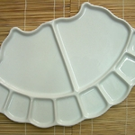 Fan Shaped 10 Well Porcelain Palette