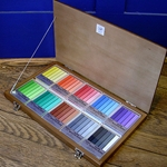 Holbein 50 Assorted Colors (Wooden Box)