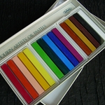 Holbein Oil Pastels Introductory Set of 15 Colors (Cardboard Box)